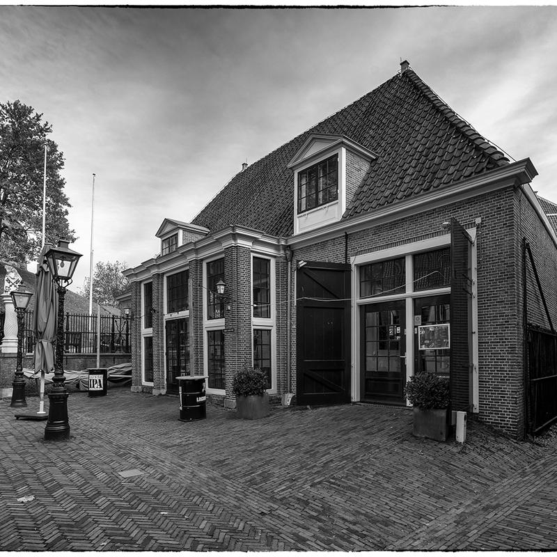 <strong>~Koetshuis De Burcht~</strong>